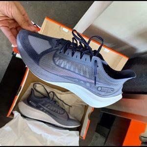 Nike sneakers 9.5 (fit more like 9)